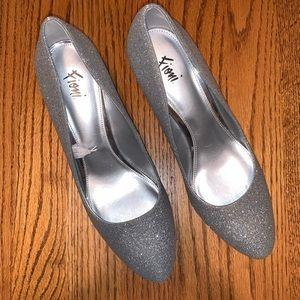 Fioni Silver Glitter Shoes Size 9